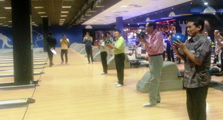 Asean-Madrid Holds Bowling Tournament