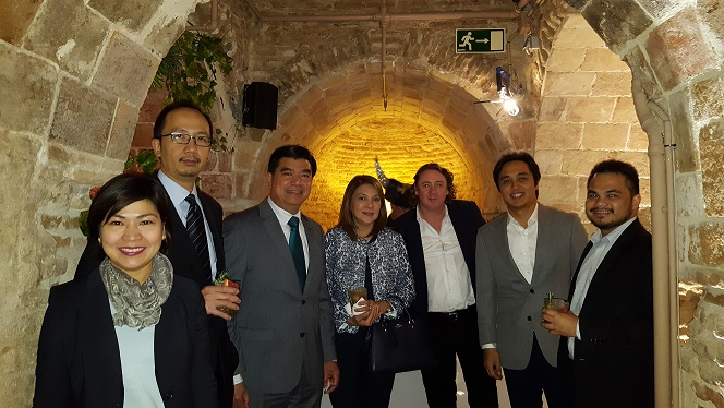 From left to right: First Secretary and Consul Mary Luck Hicarte, First Secretary and Consul Gerardo Abiog, Chargé d´Affaires, a.i. Emmanuel Fernandez, Mrs. Alice Fernandez, Mr. Stephen Carroll, Mr. Andrew Garcia, and Third Secretary and Consul Ralf Roldan