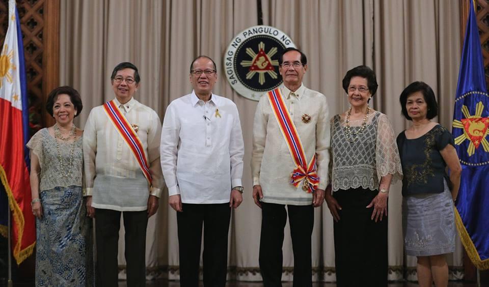 Mrs. Maritess L. Lopez, Ambassador Manuel M. Lopez, President Benigno S. Aquino III, Ambassador Carlos C. Salinas, Mrs. Isabelita T. Salinas and DFA Undersecretary Laura Q. Del Rosario.