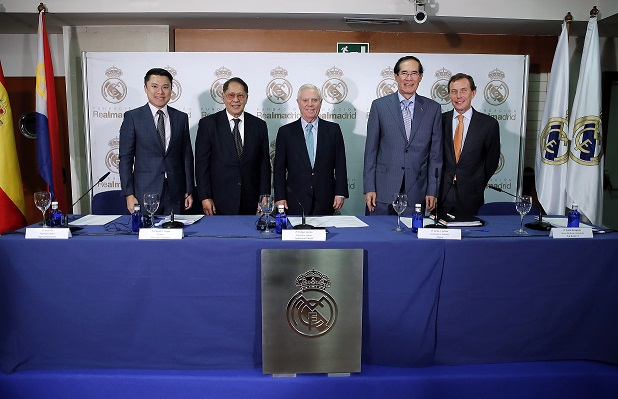 Photo from Real Madrid. From left to right: Mr. Kevin Tan, Executive Director of Alliance Global, Inc.; Sen. Edgardo J. Angara, President of Pinoy Sports Foundation; Mr. Enrique Sanchez, Executive Vice President of Real Madrid Foundation; Amb. Carlos C. Salinas; and Mr. Emilio Butragueño, Director of Institutional Relations of Real Madrid F.C.