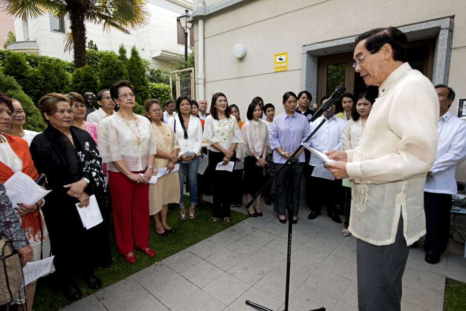 Filipino Community in Madrid Joins the Embassy in a  Flag-Raising Ceremony to Mark Philippine Independence Day