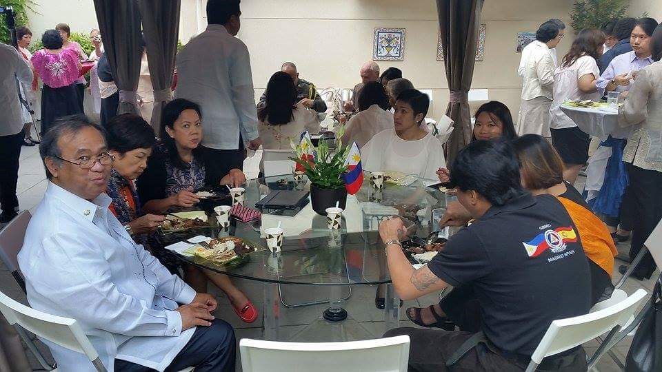 Filipino Community in Madrid Joins the Embassy4
