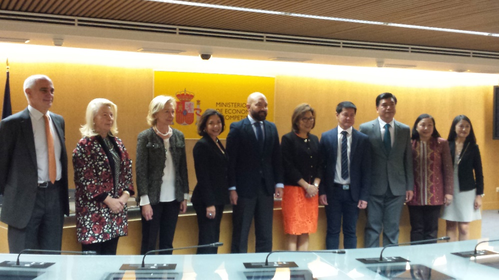 Secretary Tulfo-Teo and Secretary of State García-Legaz together with representatives of Foro de Debate, Arum Estrategias, the Philippine Embassy in Madrid and officials of the Department of Tourism