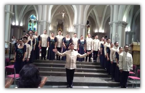 The Madrigal Singers and Choir Director Mark Anthony Carpio.