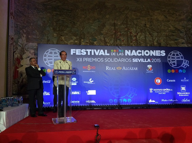 Ambassador Salinas giving his speech during the Premios  Solidarios 2015