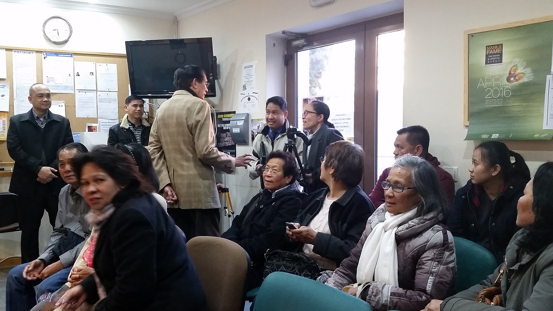 Ambassador Salinas with the Filipino community.