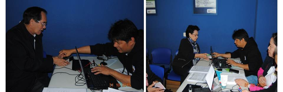 Ambassador Carlos C. Salinas and Mrs. Isabelita T. Salinas registering at a mobile registration site.